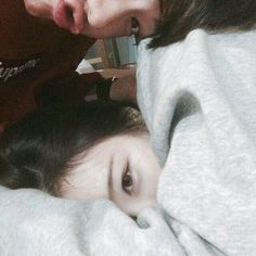 couple, ulzzang, and asian image Ulzzang Couple, Ulzzang Girl, Cute Korean, Korean Girl, Asian Boys, Asian Girl, Couple Goals Cuddling, Couple Aesthetic, Korean Ulzzang