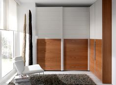Armario de puertas correderas. Ideal para rinconeras Divider, Room Decor, Furniture, Perfect Wardrobe, White Cabinet, Decorating Rooms, Closets, Quartos, House Decorations