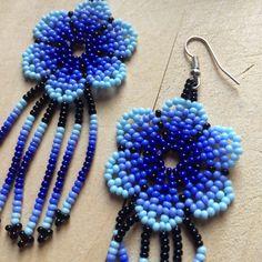 Bead Jewellery, Bead Earrings, Beaded Jewelry, Crochet Earrings, Earring Tutorial, Beading Projects, Projects To Try, Jewelry Making, How To Make