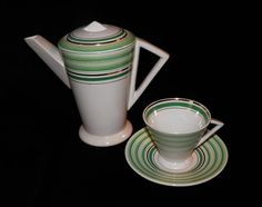 Art Deco «Avenida» shape tea set - Sacavém, Portugal c.1935 The teapot has a similar shape to Shelley Vogue/Mode coffee pot.