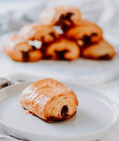Pain au chocolat: Layers of deliciousness  #painauchocolat #frenchpastries #pastries #croissant #recipe #dessert #breakfast #puffpastry Croissant, French Pastries, Chicken, Meat, Breakfast, Desserts, Recipes, Food, Pain Au Chocolat