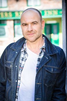 CORRIE bosses are to shock viewers with a new twist that will see Sallys husband Tim Metcalfe exposed as a secret bigamist. Coronation Street Actors, Coronation Street Spoilers, Kevin Webster, Sally Dynevor, British Drama Series, Hollyoaks, Soap Stars, Tv Actors, The Old Days