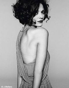"""Marion Cotillard - and then I'm like """"maybe I'll cut all my hair off again."""" and then I have to remind myself that I don't look like marion Cotillard. 2015 Hairstyles, Curly Bob Hairstyles, Cool Hairstyles, Hairstyle Ideas, Bob Haircuts, Curly Hair Styles, Short Curly Hair, Short Curls, Short Wavy"""