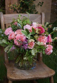 Fresh Flowers, Spring Flowers, Beautiful Flowers, Wild Flowers, Beautiful Flower Arrangements, Floral Arrangements, Fleur Design, Deco Floral, Container Flowers