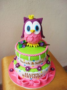 Lil Wise Owl Cake ~ would love to make this Fondant Cakes, Cupcake Cakes, Fondant Owl, Fondant Figures, Sweet Cakes, Cute Cakes, Beautiful Cakes, Amazing Cakes, Owl Cake Birthday