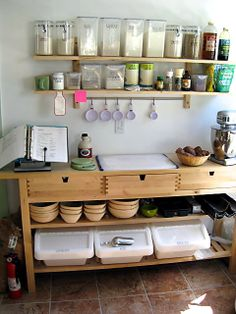 Kitchen Island Breakfast Bar Ikea Reclaimed Wood Fibrant 25 Gorgeous Home Bakery Kitchen Design You Have To Know Bakers Kitchen, New Kitchen, Kitchen Ideas, Kitchen Prep Table, Awesome Kitchen, Baking Organization, Organization Station, Baking Storage, Organizing