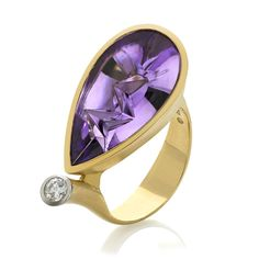 One-of-a-Kind, handcrafted Ring in satin-finished matte 18k yellow gold with an 8.90 carat Munsteiner icicle-cut amethyst and one 0.15 carat brilliant-cut VS1 diamond (0.15ct) bezel-set in platinum. S