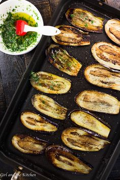 Healthy Pan Fried Baby Eggplant with Garlic and Herbs This incredibly easy and delicious eggplant recipe comes together in only 15 minutes! Thinly sliced eggplant is smeared with garlic and herbs after it has been delicately pan fried. Fried Eggplant Recipes, Pan Fried Eggplant, Grilled Eggplant, Cooking Eggplant, Eggplant Dishes, How To Freeze Eggplant, Mini Eggplant Recipe, Baked Eggplant Slices, Eggplant Chips