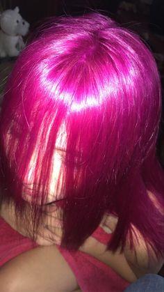 Bright Pink Hair, Magenta Hair, Hair Color Pink, Dye My Hair, New Hair, Hairstyles Haircuts, Pretty Hairstyles, Hair Inspo, Hair Inspiration