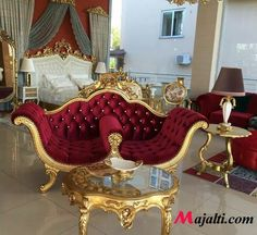 This is my Dream love seat lol Royal Furniture, Luxury Home Furniture, Victorian Furniture, Funky Furniture, Classic Furniture, Unique Furniture, Home Decor Furniture, Vintage Furniture, Home Furnishings