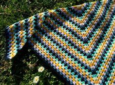 Crochet Granny, Shawl, Blanket, Knitting, Tricot, Crochet Patterns, Cast On Knitting, Stricken, Rug