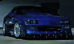 The sexiest IROC ever. This was my dream car.  In metallic blue please!