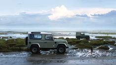 17 Photos That Will Make You Want A Land Rover Defender Heritage Edition - Airows Landrover Defender, Land Defender, Land Rovers, Planes, Jeep, Adventure Car, Best 4x4, Beach Cars, Take The High Road