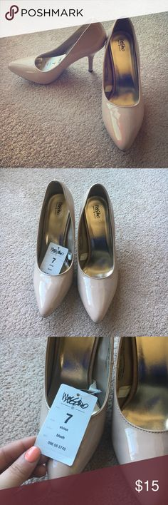 NWT MOSSIMO HEELS PUMPS BEIGE NUDE New with tags patent beige heels. Size 7 Mossimo Supply Co Shoes Heels