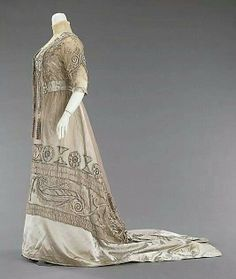 Evening dress 1908-1910 silk and pearls