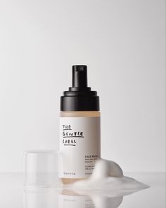 Not your average foam wash. Sulfate-free but still bubbly. Not your average foam wash. Sulfate-free but still bubbly. Foam Packaging, Organic Packaging, Bottle Packaging, Brand Packaging, Product Packaging, Skincare Packaging, Cosmetic Packaging, Beauty Packaging, Cosmetic Logo