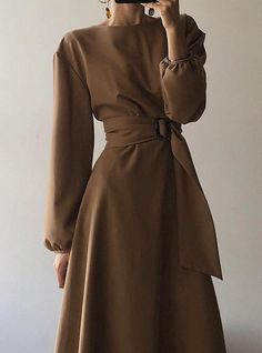 Minimal and Chic Outfits Ideas modest fashion Minimal and Chic Outfits Ideas Look Fashion, Fashion Models, Autumn Fashion, Womens Fashion, Ladies Fashion, Fashion Art, Cheap Fashion, Fashion Designers, Fashion Styles