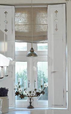 Vintage chic: Hjemmesnekrede skodder/ home made shutters Shutters For Sale, White Shutters, Old Shutters, Window Shutters, Vintage Shutters, Wooden Shutters, Kitchen Shutters, Bedroom Shutters, House Shutters