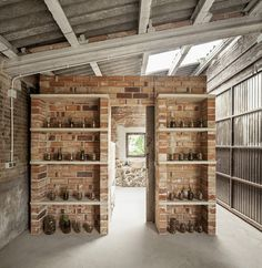 clara nubiola converts a deteriorating shed into the cube changing room room architecture clara nubiola converts a deteriorating shed into the cube changing room Brick Shelves, Diy Regal, Old Bricks, Changing Room, Diy Garden Decor, Shed, New Homes, House Design, Decoration