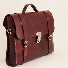 5d891ec9264 Leather laptop bag for men or women - Leather Messenger bag - handmade by  Ludena with natural leather. Lederen AktetasLederen Tassen ...