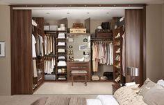 Идея дизайна для спальни-гардеробной