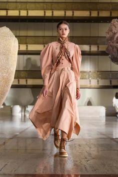 Ulla Johnson Fall 2021 Ready-to-Wear Collection - Vogue Fashion Week, New York Fashion, High Fashion, Fashion Beauty, Womens Fashion, Fashion Trends, F22, Ulla Johnson, Models