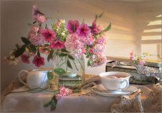 Over a Cup of tea - Still life - Luiza Gelts - Луиза Гельтс Painting Still Life, Still Life Art, Elegant Flowers, Beautiful Flowers, Beautiful Things, Cheap Coffee Maker, Still Life Photos, Arte Floral, Still Life Photography