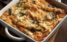 Τεμπελόπιτα - iCookGreek Greek Pita, Eat Greek, Healthy Greek Recipes, Yummy Chicken Recipes, Greek Side Dishes, Easy Cooking, Cooking Recipes, Cypriot Food, Macedonian Food