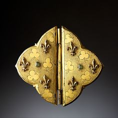 Buckle decorated with emeralts and French lylies gilt copper France, XIV