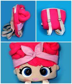 Mais uma mochila LOL surprise #feitoamao #feitoamaocomamor #lolsurprise #bonecas #boneca #feltro #menina #pink #rosa #toy #pink #mochila School Bags For Kids, Kids Bags, Doll Crafts, Diy Doll, Funny Inventions, Kids Purse, Felt Applique, Sewing Dolls, Lol Dolls