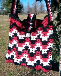 Spiked Ripple Purse By Darlisa Riggs - Free Crochet Pattern - (ravelry) Free Crochet Bag, Knit Or Crochet, Crochet Hooks, Crochet Bags, Crochet Blankets, Crochet Handbags, Crochet Purses, Purse Patterns, Crochet Patterns