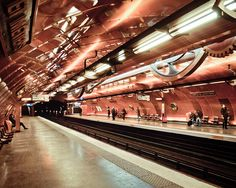Metro / Arts et Métiers / Rue de Turbigo, Paris III. The most beautiful tube station in Paris! It's like being in the Nautilus!!!