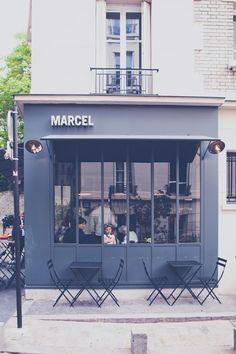 Restaurant Marcel, situé dans la jolie Villa Léandre propose tous les jours de très bons petits déjeuner et brunchs. Possibilité de diner du lundi au vendredi. Agréable terrasse.