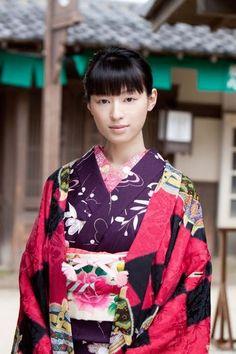 Chiaki Kuriyama. Chiaki Kuriyama is a Japanese actress, singer, and model.