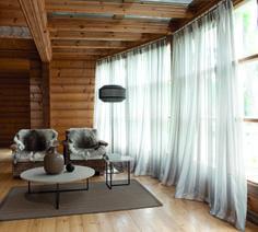 So cozy looking. Traditional Windows, Drapery Designs, Custom Window Treatments, Window Dressings, Sheer Curtains, Window Coverings, Soft Furnishings, Decoration, Interior Inspiration