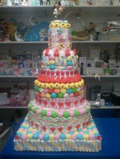Enorme tarta de boda de Duldi Ciudad Real. ¿Conseguirán los novios terminársela?