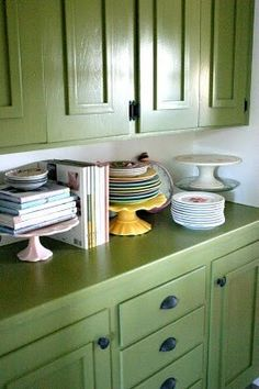 love this color for cabinets