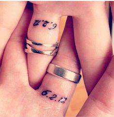 Date tattoos, wedding band tattoo, wedding finger tattoos, wedding rings, w Ehe Tattoo, Tattoo Band, Get A Tattoo, Him And Her Tattoos, Love Tattoos, Body Art Tattoos, Tattoos For Wife, Tattoos Of Dates, Husband Tattoo For Wife