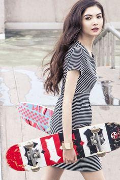 RUE58 JACKIE O Black & White Stripe Short Sleeve Dress #RUE58 #fashion #fashiondesigners   #RTW #Womenswear #womensfashion #stripes #snap #lookbook