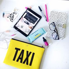 ziedarling.com/blog // what's in my freelancers bag when I'm on the go!