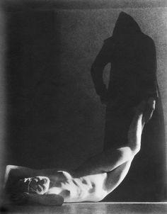 Death of Hypatia 1927. American nightmares: the photography of William Mortensen
