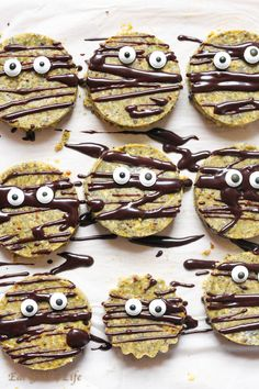 Raw halloween cookies - vegan gluten free Read more at http://www.eatgood4life.com/raw-halloween-cookies-vegan-gluten-free/#BBDXomhlrluGBYdC.99