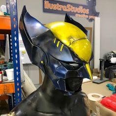 Wolverine Movie, Iron Man, Helmet, Geek Stuff, Batman, Superhero, Geeks, Movies, Fictional Characters