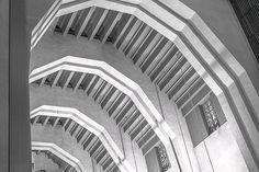 #blackandwhitephotography #bnw_life #igersbnw #architecture #architecturephoto #instaarchitecture #bnw_mtl #mtlphoto #igersmontreal Architecture Photo, Black And White Photography, Stairs, Life, Home Decor, Black White Photography, Homemade Home Decor, Stairway, Decoration Home