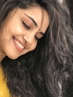 South Indian actress Anupama Parameswaran in saree photo gallery. Anupama Parameswaran in saree picture, image, wallpaper. Stylish Girl Images, Stylish Girl Pic, Indian Film Actress, South Indian Actress, Indian Actresses, Cute Beauty, Beauty Full Girl, Most Beautiful Indian Actress, Beautiful Actresses