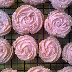 レシピとお料理がひらめくSnapDish - 9件のもぐもぐ - Vienesse rose cookies by Fe's kitchen
