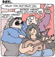 - Halay yok mu? Halay çal. + Sadece yabancı şarkı çalıyorum abi. - Tamam yabancı halay çal. #karikatür #mizah #matrak #komik #espri #şaka #gırgır #komiksözler