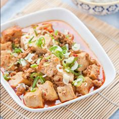 Mapo Tofu is a delicious dish that originate from Sichuan, China. This is real Sichuan cuisine. Tofu Recipes, Vegetable Recipes, Asian Recipes, Ethnic Recipes, Asian Foods, Noodle Recipes, Recipes Dinner, Yummy Recipes, Yummy Food