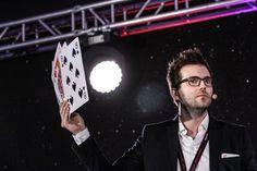 FameLab Poland 2015 - Rafał Mostowy - Gra w karty z mordercą / Playing cards with a murderer.