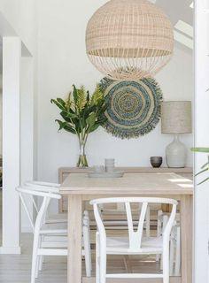 5 Elegant White Beach House Design Ideas For Life Better – Beach House Decor Coastal Living Rooms, Living Room Paint, Style At Home, White Beach Houses, Decoration Inspiration, Decor Ideas, Room Inspiration, Room Ideas, Decorating Ideas